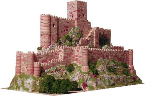 maquetas de castillos con figuras geometricas